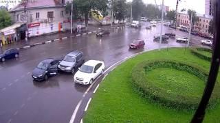 ДТП Ярославль 2017-07-13 на пл. Октября