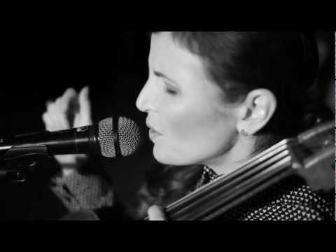 Izzi Dunn - It Wasn't Love