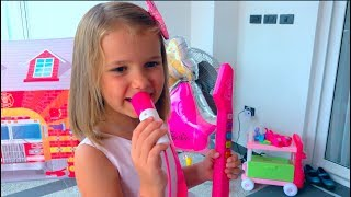 Katy play with ice cream shop and gilr make up toys