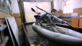 Обучение новичков навыкам гребли на байдарке