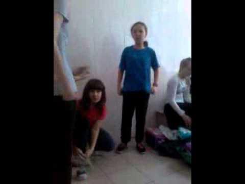 Школьный день женская раздевалка