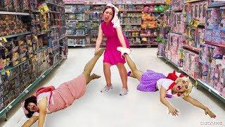 เกิดอะไรขึ้นกับชิคกี้พาย?? ที่ร้านของเล่น Toys R Us
