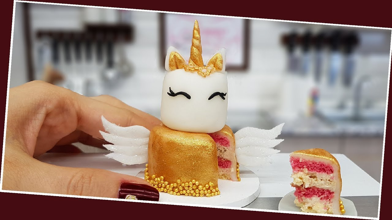 Mini Gold Unicorn cake