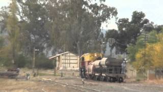 preview picture of video 'Locomotora Belgrano Cargas (7739) maniobrando en Pie de Palo, San Juan'