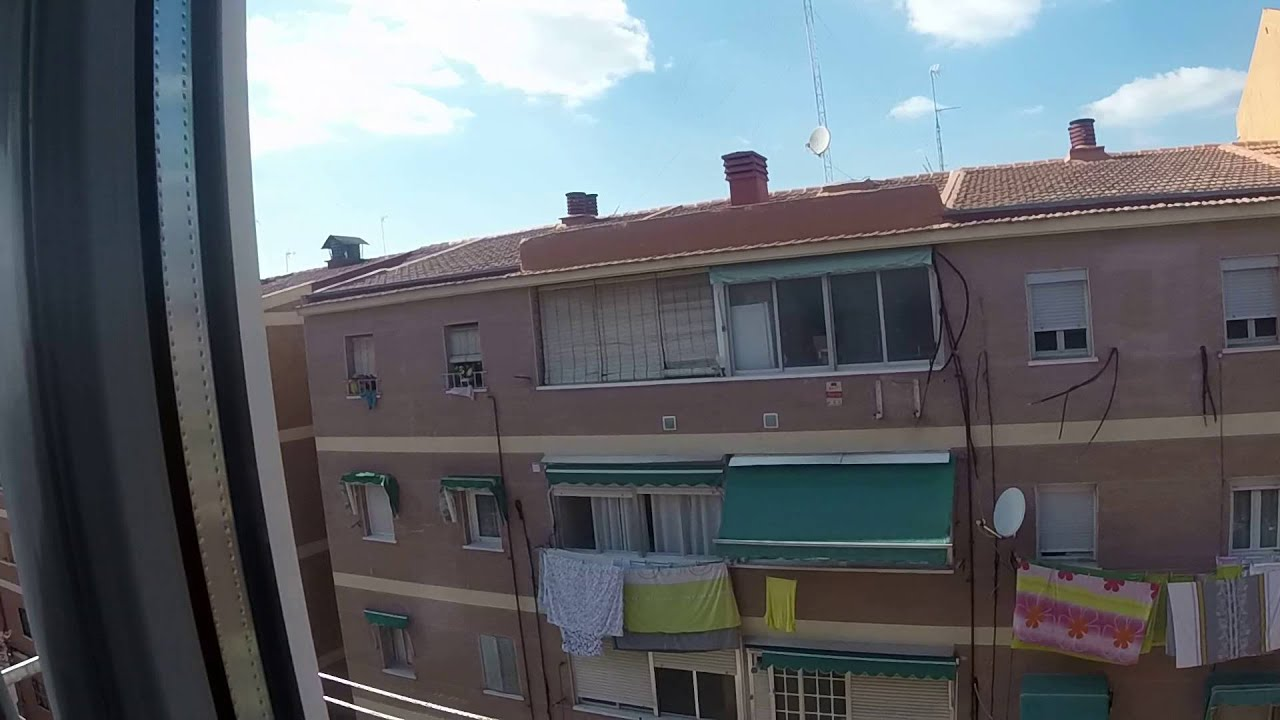 Huge room with A/C in shared apartment, Getafe