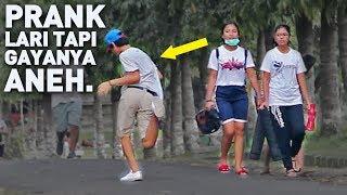 LARI PAKE GAYA ANEH BIKIN NGAKAK NGELIATNYA - Prank Indonesia