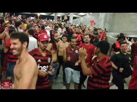 """""""DESCIDA HISTÓRICA DA TORCIDA DO FLAMENGO FINALISTA DA LIBERTADORES - FLAMENGO 5X0 GREMIO"""" Barra: Nação 12 • Club: Flamengo"""