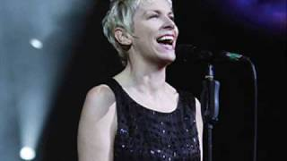 Annie Lennox - Cold - Live at the Mermaid Theatre