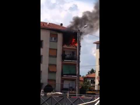 Incendio in una palazzina a Tradate