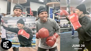 'FOCUSED' GERVONTA TANK DISCPLINED MAYWEATHER GYM TRAINING, 🔐 ON WEIGHT MOVE UP BARRIOS | BOXINGEGO