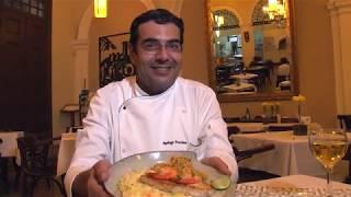 Chef de cozinha ensina o passo a passo da famosa Meca Santista