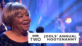 Mavis Staples – The Weight with Jools Holland & His Rhythm & Blues Orchestra