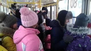 Флешмоб Парашютные прыжки из трамвая