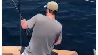 Прикол дан другом на рыбалке Приколы 2018