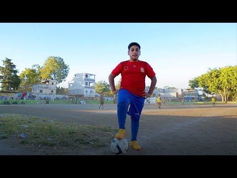 Su pasión por el fútbol le ayudó a cumplir su sueño