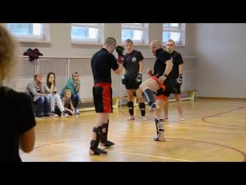 Ruch mięśni pośladków
