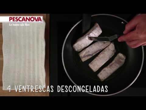 Cómo se hace la receta de Merluza con crema de piquillo y Anguriñas