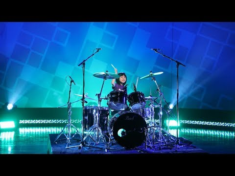 Dave Grohl Surprises Kid Drummer with a Special Message (видео)
