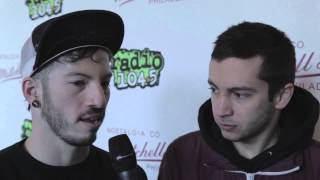 21 Pilots talks Walk The Moon, ex-girlfriends at shows, & more!
