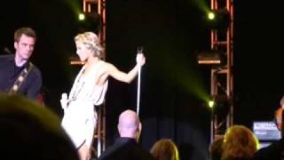 Julianne Hough Snoqualmie Casino 03-28-09_005
