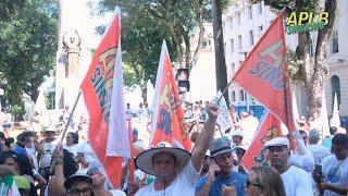Servidores protestam na Lavagem do Bonfim