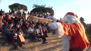 Babbo Natale Piazzale Michelangelo famoso punto panoramico per godersi Firenze Buon Natale