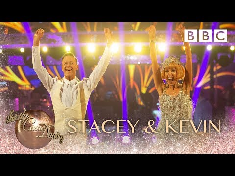 Stacey Dooley & Kevin Clifton Charleston to 'Five Foot Two, Eyes of Blue' – BBC Strictly 2018