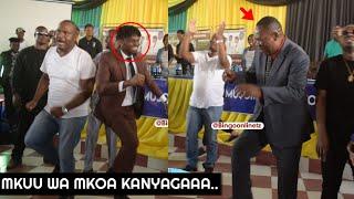 UTAPENDA;RC MWANRI Amfunika DIAMOND Kucheza KANYAGA Mbele ya Wanafunzi/Wasafi festival Tabora