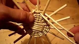 Плетение круглого донышка из лозы. Полный видеоурок.