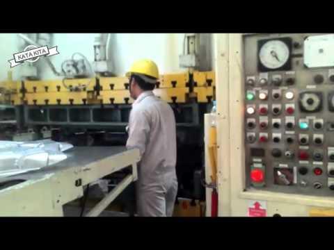 Video PROSES PEMBIKINAN SPARE PART MOBIL L300 MESIN PABRIK