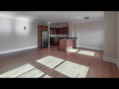 Tour a sunny Lincoln Park 1-bedroom #709W at The Patricians