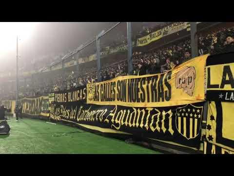 """""""Para ser campeon - vs liverpool clausura 2017"""" Barra: Barra Amsterdam • Club: Peñarol"""