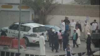 preview picture of video 'البحرين مركبات الشرطة تلاحق سيارة وتعتقل من فيها - سترة'