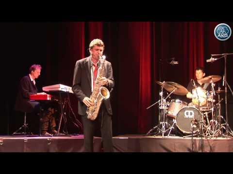 AKG on stage - Funky Song - AKG D112, C519, C1000, C214, P170, D40, P220, IVM4