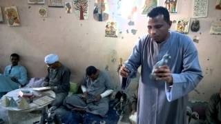 Смотреть онлайн Дружный коллектив из Египта делают фигурки