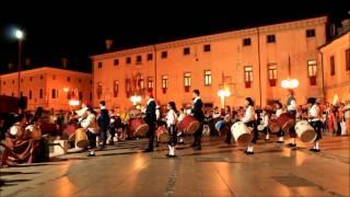preview picture of video 'XXXVI Rievocazione Storica di Palmanova 2012 - Gruppo tamburi - HD'