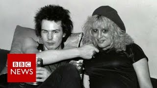 Sex Pistols: Unseen photos before they split - BBC News