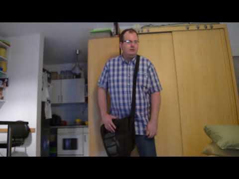 einhandblog: Umhängetasche und Querträger-Rucksack mit einer Hand