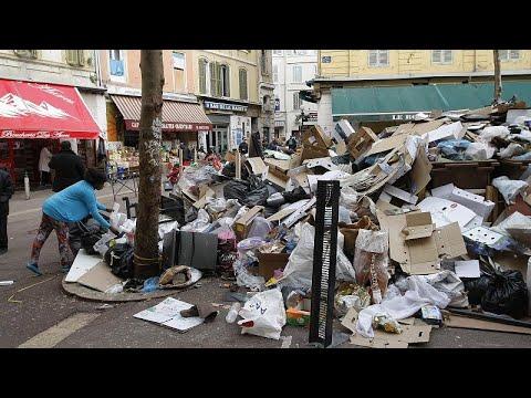 العرب اليوم - تراكم القمامة وانتشار الروائح الكريهة في شوارع مدينة مرسيليا الفرنسية