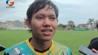 ADAM ALIS RESMI BERGABUNG DENGAN AREMA FC