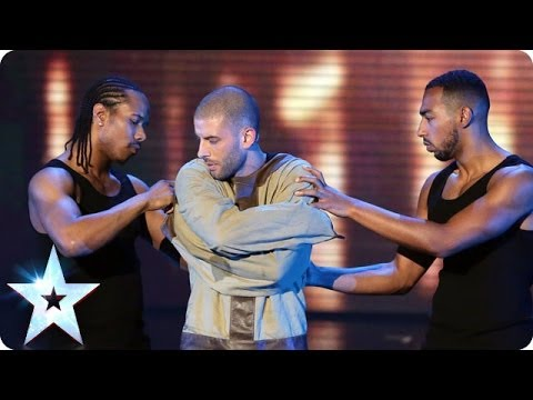 Darcy Oake's Jaw-dropping escape | Britain's Got Talent 2014 Final (видео)