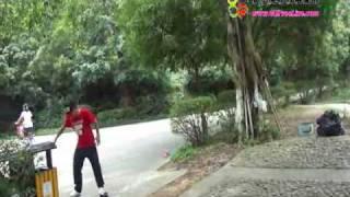 Video : China : Free-line skating in GuangZhou - video