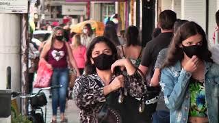 Centro de Patos de Minas movimentado.  Consumidores lotam as ruas em busca de presentes para o dia dos pais.