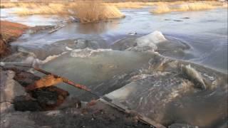 Как паводок рушит дамбы. Наводнение в Караганде, р. Кокпекты 2015