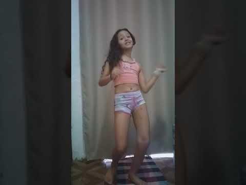 Minha sobrinha dançando