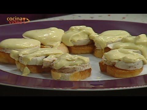 Montaditos de pechugas de pollo rellenas de queso / Canapes cheese stuffed chichen breast