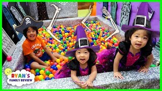 Ryan in Halloween Box Fort Maze with Emma and Kate!!!