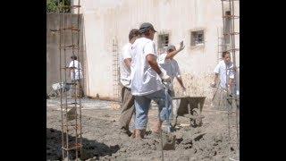 Aprendieron albañilería y construyen para su comunidad | Kholo.pk