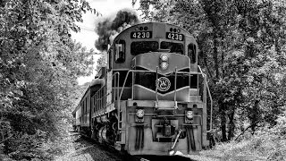 preview picture of video 'West Chester Railroad - Alco C424 - Nathan Train Horn'