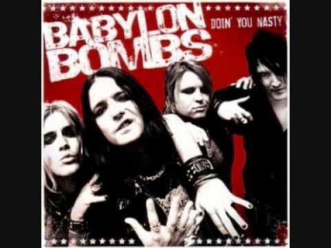 Música Drop the Bomb